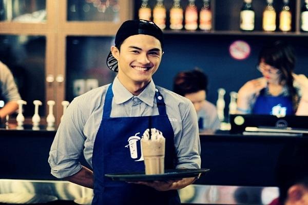 nụ cười thân thiện của nhân viên