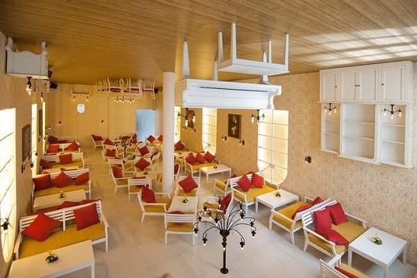 quán cafe vắng khách